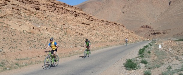 Excursion en Vélo dans les Montagnes de l'Atlas